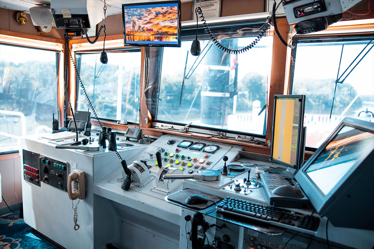 General Jackson Boat Controls